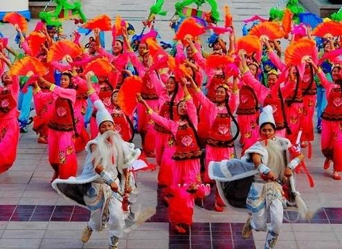 舞蹈中的俏花—山东秧歌